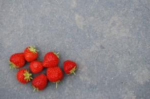 Jedz truskawki! 4 szybkie przekąski, które pokocha Twoje dziecko (i Ty!)