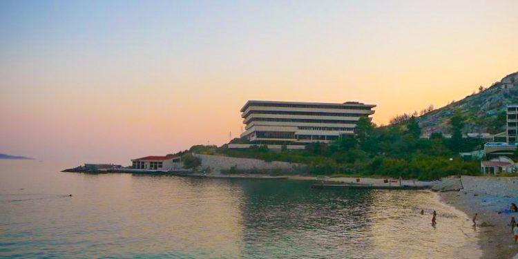 zatoka umarłych hoteli
